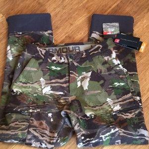 Under Armour mid season camo hunting pants